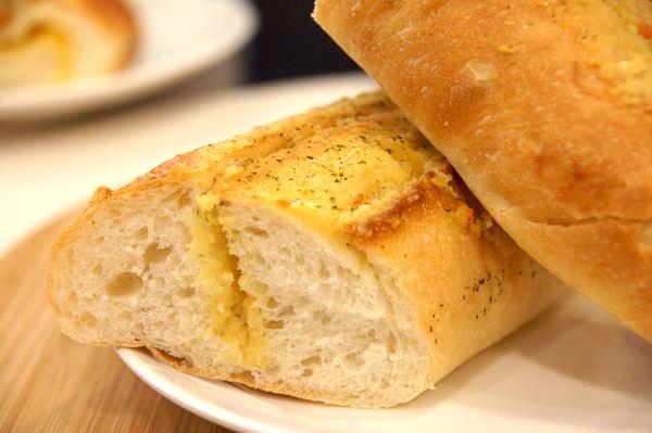 麵包劇場 Alter Ego 1892:(台北。內湖區美食) 『麵包劇場AlterEgo1892』瀰漫在靜巷中的香味,讓人魂牽夢縈的美味麵包!/大推{起司六重奏},爆炸般的起司,讓你口水直流~